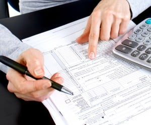 An image accompanying article on tax accountant education